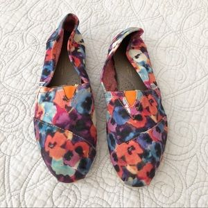 🔴 Toms Colorful Floral Watercolor Slip On Flats